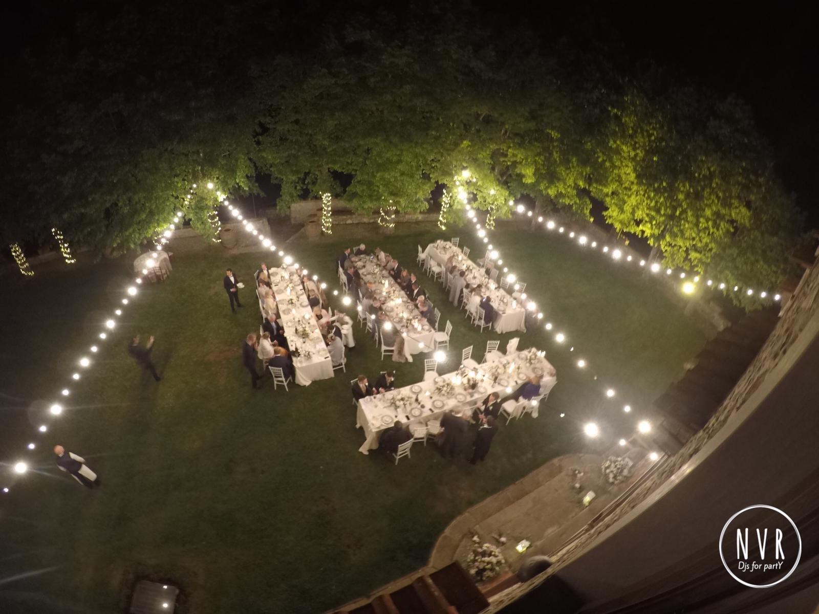 catene di lampadine per matrimoni